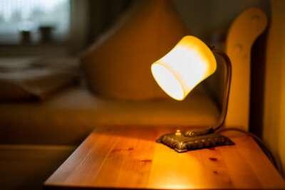 Nachttischbeleuchtung